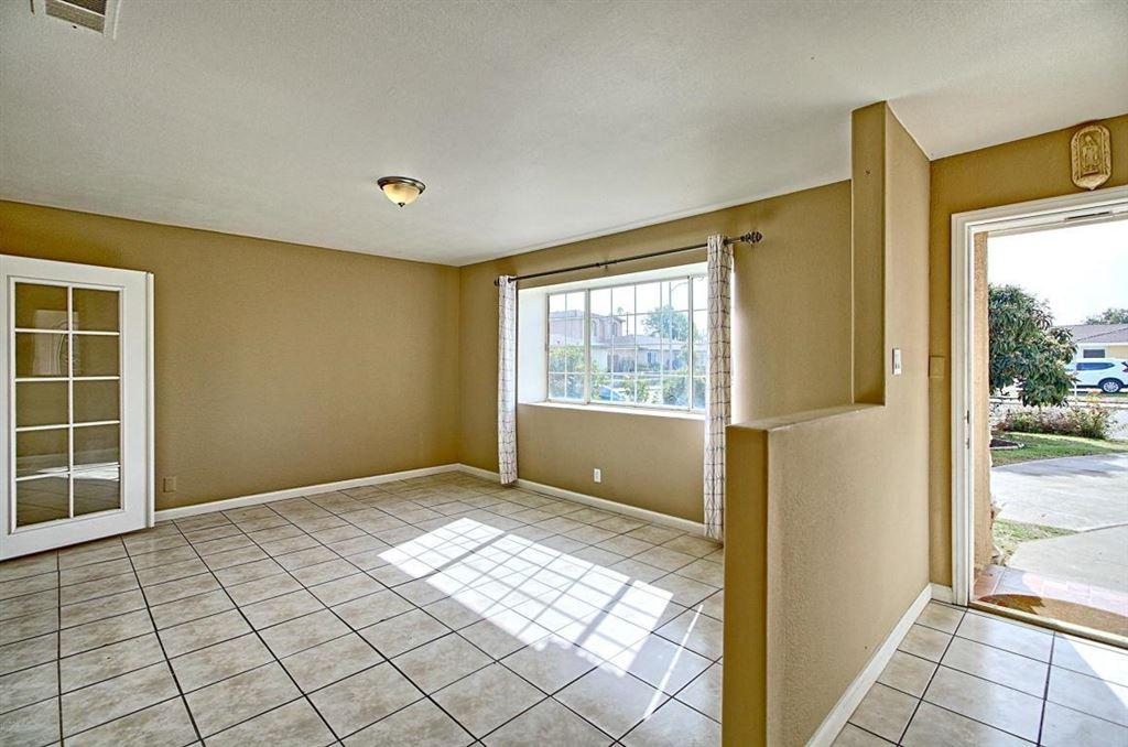 Photo for 1205 West POPLAR Street, Oxnard, CA 93033 (MLS # 218001624)