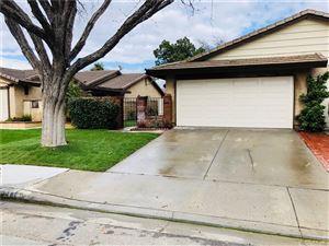 Photo of 25648 PALMA ALTA Drive, Valencia, CA 91355 (MLS # SR18061625)