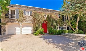 Photo of 626 North FOOTHILL Road, Beverly Hills, CA 90210 (MLS # 19506626)