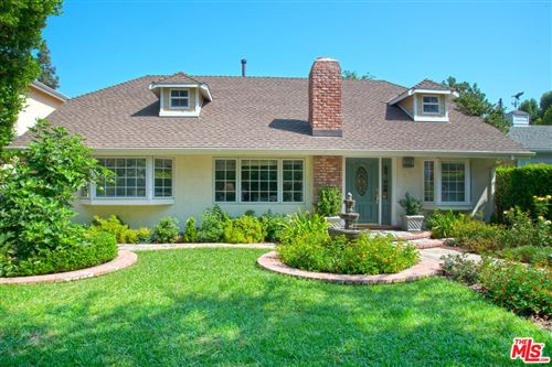 Photo of 13619 CHANDLER, Sherman Oaks, CA 91401 (MLS # 19534626)