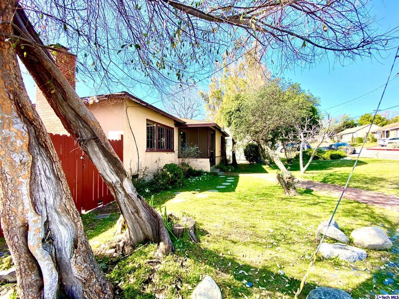 Photo of 3400 COMMUNITY Avenue, Glendale, CA 91214 (MLS # 320000628)