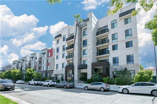 Photo of 118 South KENWOOD Street #406, Glendale, CA 91205 (MLS # SR19278632)
