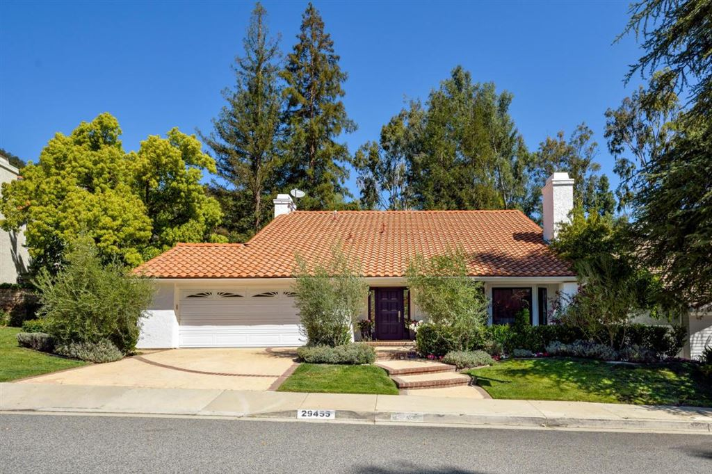 Photo for 29455 FOUNTAINWOOD Street, Agoura Hills, CA 91301 (MLS # 218004633)