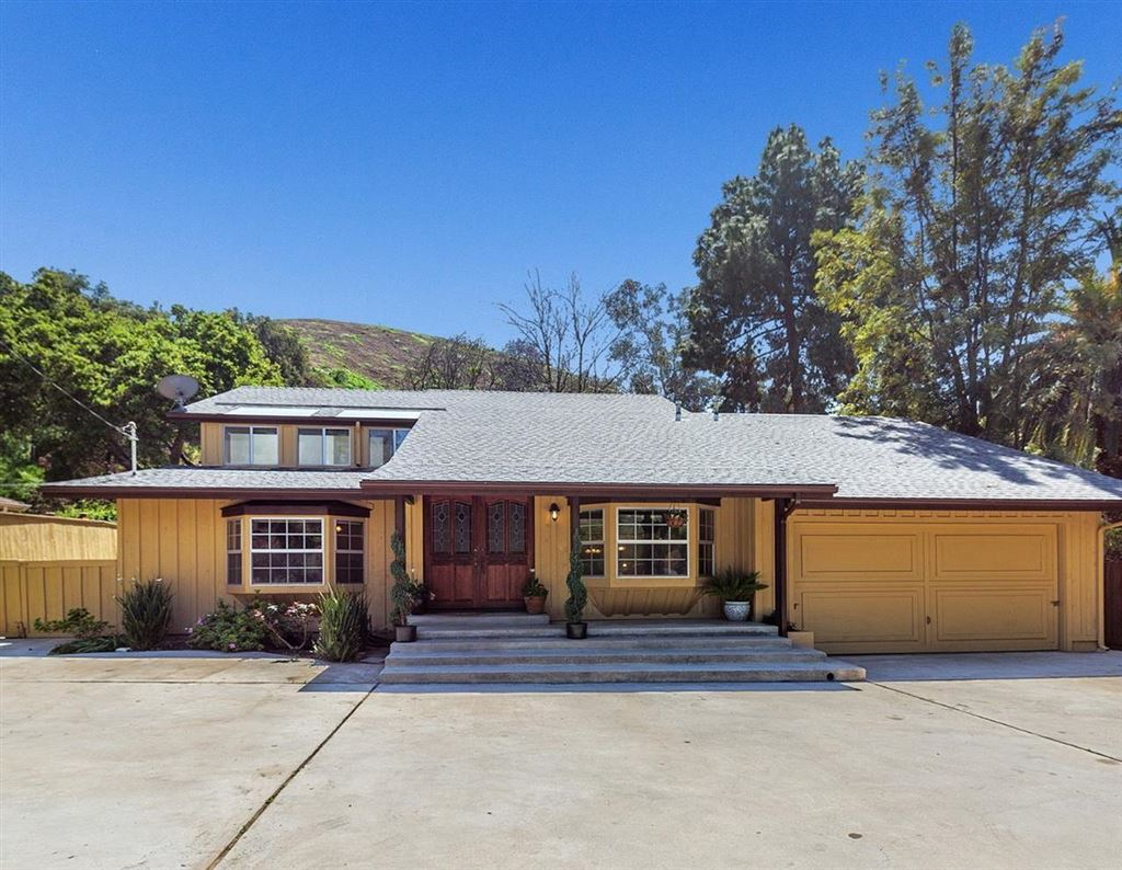 Photo for 9800 SUNLAND Boulevard, Sunland, CA 91040 (MLS # 318000636)