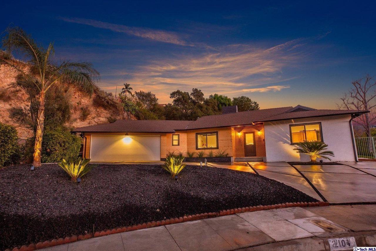 Photo of 2104 CONCHITA Street, Glendale, CA 91208 (MLS # 320000636)