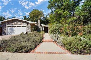 Photo of 5365 ELLENVALE Avenue, Woodland Hills, CA 91367 (MLS # SR19236637)