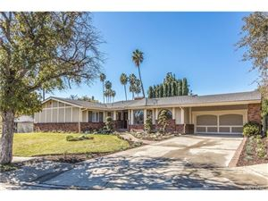 Photo of 4601 LA CESTA Place, Tarzana, CA 91356 (MLS # SR18039641)