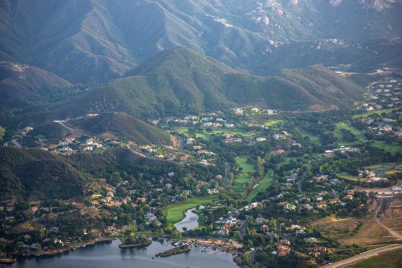 Photo of 2640 MUNNINGS Way, Thousand Oaks, CA 91361 (MLS # 219014643)