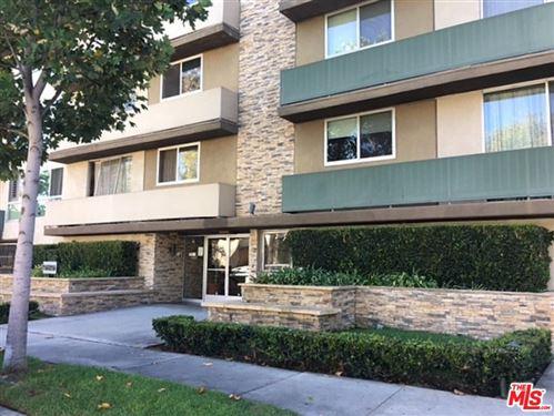 Photo of 525 North SYCAMORE Avenue #216, Los Angeles , CA 90036 (MLS # 19521646)