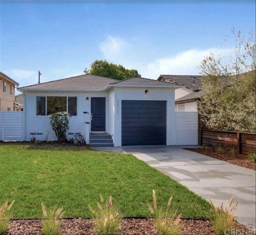 Photo of 12712 GREENE Avenue, Los Angeles , CA 90066 (MLS # SR20065647)