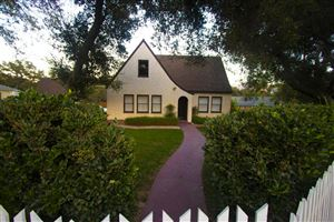Photo of 1136 FERN OAKS Drive, Santa Paula, CA 93060 (MLS # 218012650)