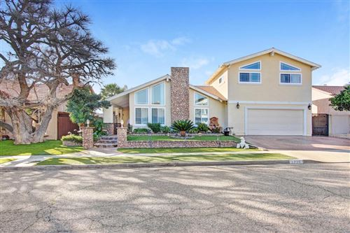 Photo of 2735 BELBROOK Place, Simi Valley, CA 93065 (MLS # 220001652)