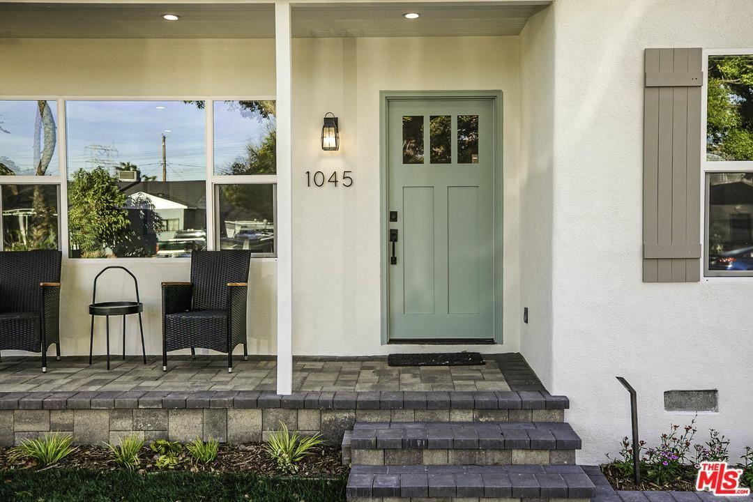 Photo of 1045 North EVERGREEN Street, Burbank, CA 91505 (MLS # 20553652)