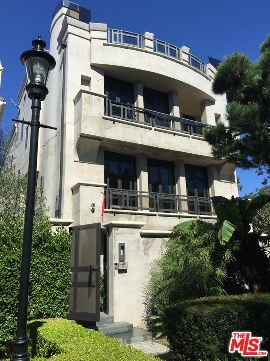 Photo for 145 CHANNEL POINTE, Venice, CA 90292 (MLS # 17234654)