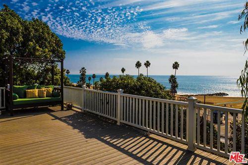 Photo of 16 VISTA Terrace, Pacific Palisades, CA 90272 (MLS # 19532658)
