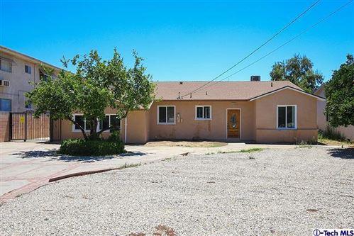 Photo of 18606 North CITRONIA Street, Northridge, CA 91324 (MLS # 319004659)