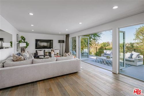 Photo of 645 LAS LOMAS Avenue, Pacific Palisades, CA 90272 (MLS # 19516662)