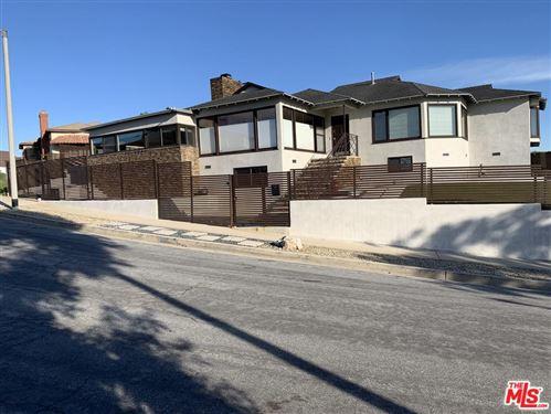 Photo of 5111 ONACREST Drive, Los Angeles , CA 90043 (MLS # 20543662)