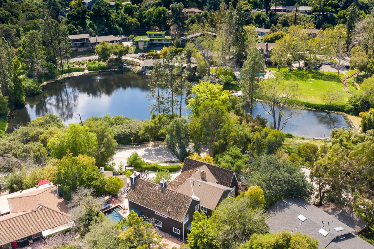 Photo of 700 LAGUNA Road, Pasadena, CA 91105 (MLS # 820000663)