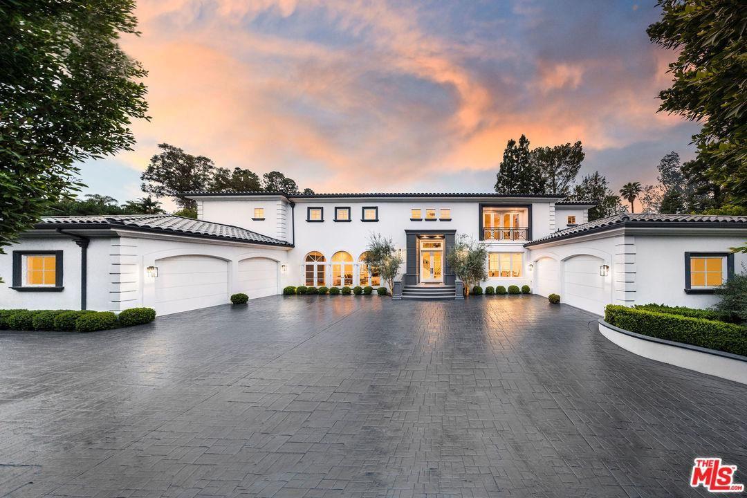 Photo for 1041 LAUREL Way, Beverly Hills, CA 90210 (MLS # 20560668)