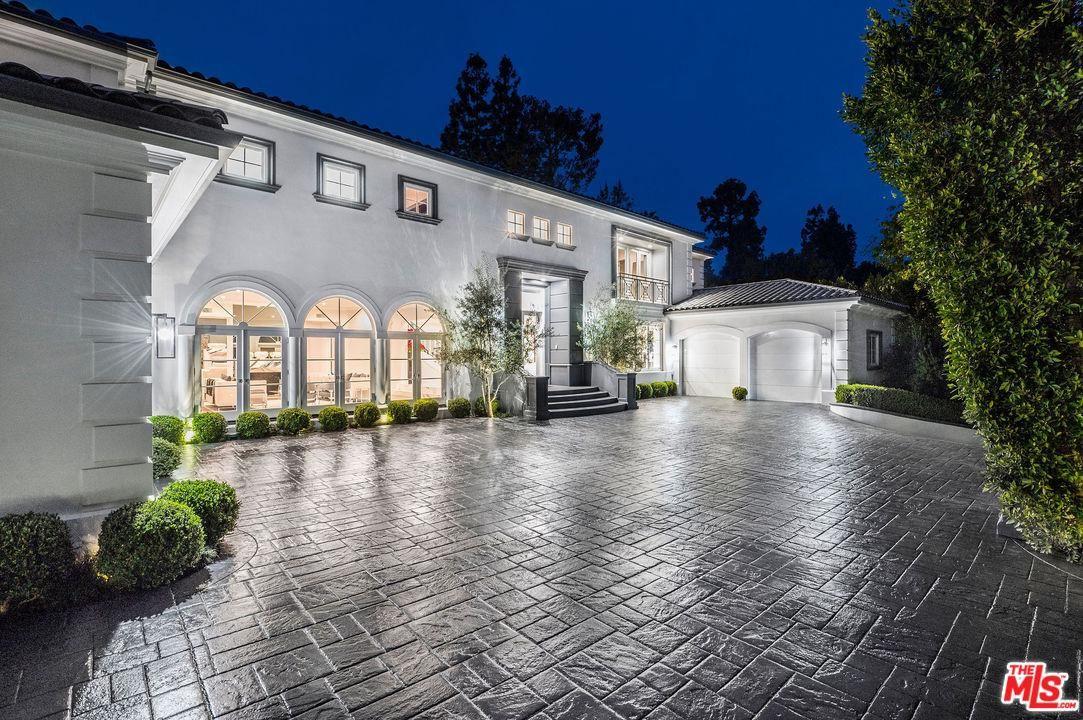 Photo of 1041 LAUREL Way, Beverly Hills, CA 90210 (MLS # 20560668)