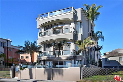 Photo of 135 VIA MARINA, Marina Del Rey, CA 90292 (MLS # 20539670)