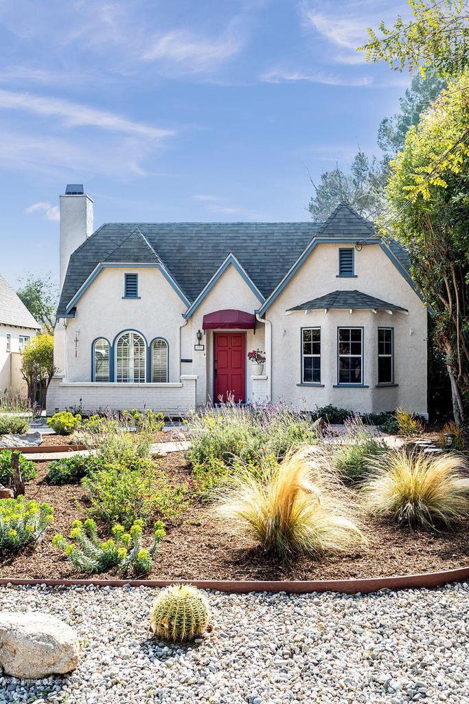 Photo of 192 West WEST TERRACE Street, Altadena, CA 91001 (MLS # 820000673)