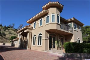 Photo of 19 CINCH Road, Bell Canyon, CA 91307 (MLS # 319001674)