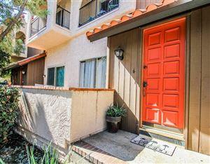 Photo of 1711 GRISMER Avenue #6, Burbank, CA 91504 (MLS # 318000680)