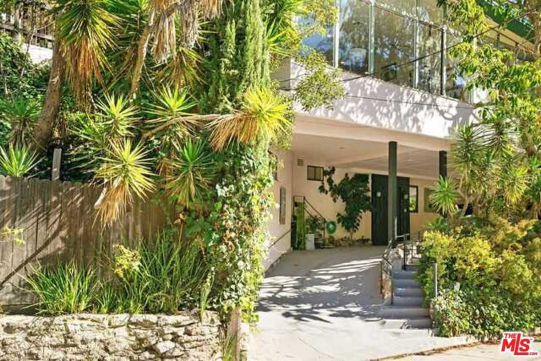 Photo of 1730 FRANKLIN CANYON Drive, Beverly Hills, CA 90210 (MLS # 20552680)