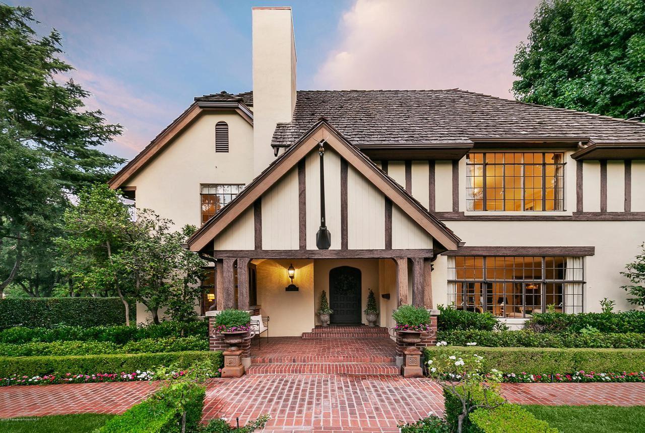 Photo of 590 South HILL Avenue, Pasadena, CA 91106 (MLS # 820000683)