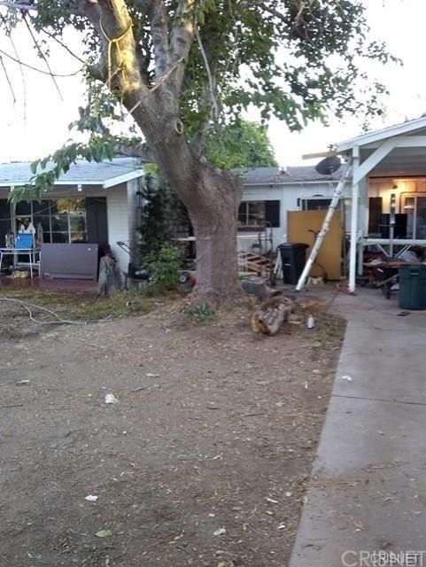 Photo of 23234 VICTORY Boulevard, Woodland Hills, CA 91367 (MLS # SR20028685)