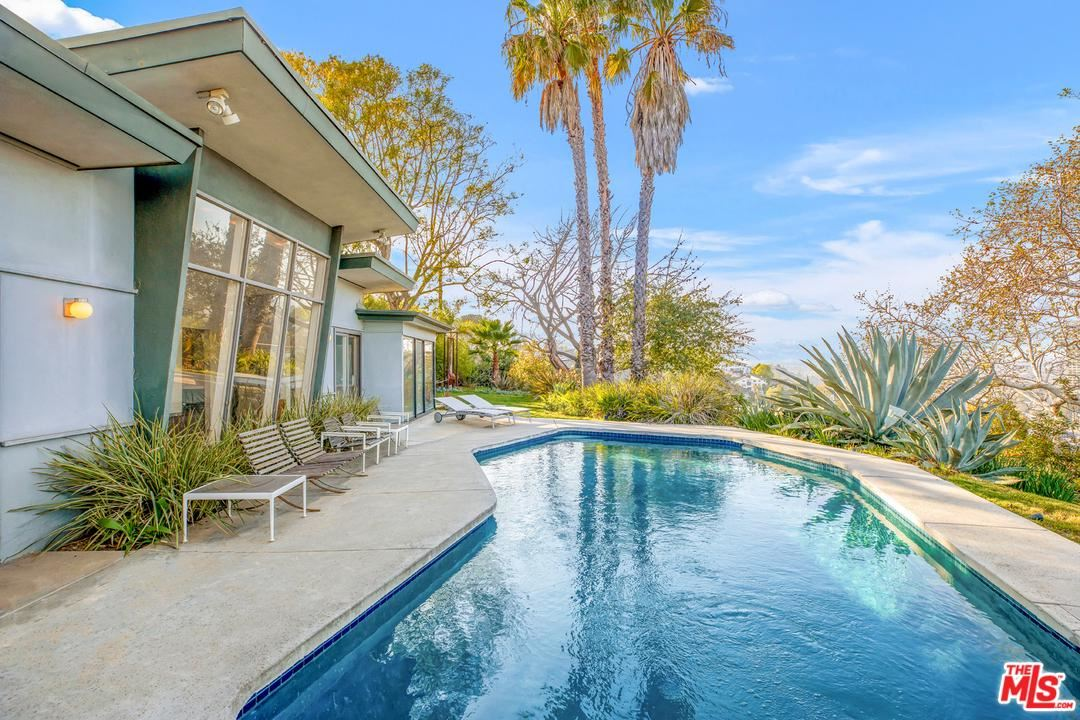 Photo of 3347 BONNIE HILL Drive, Los Angeles , CA 90068 (MLS # 20558688)