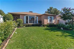 Photo of 17327 HAMLIN Street, Lake Balboa, CA 91406 (MLS # SR19192689)