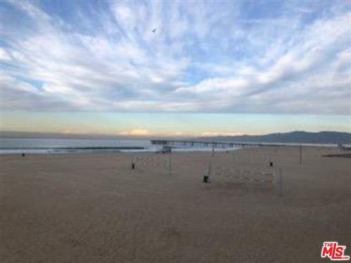 Photo of 6 EASTWIND Street #220, Marina Del Rey, CA 90292 (MLS # 20544690)