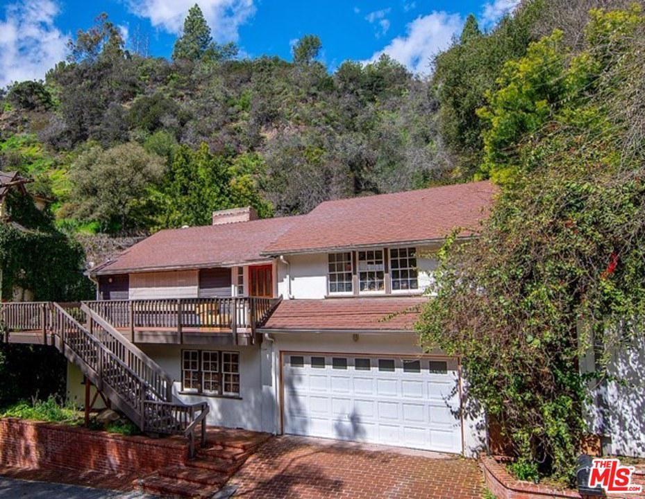 Photo of 9699 YOAKUM Drive, Beverly Hills, CA 90210 (MLS # 20567692)