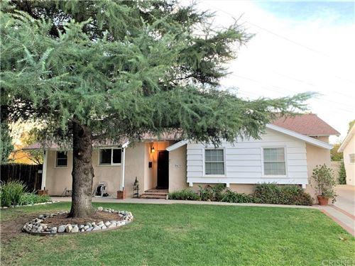 Photo of 9433 GEYSER Avenue, Northridge, CA 91324 (MLS # SR19276693)