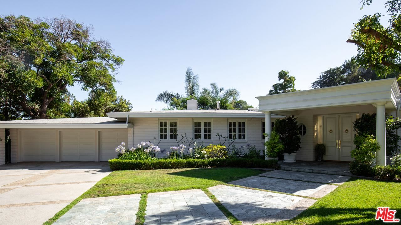 Photo of 1201 LOMA VISTA Drive, Beverly Hills, CA 90210 (MLS # 20540694)