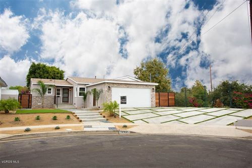 Photo of 12921 AETNA Street, Valley Glen, CA 91401 (MLS # 219011696)