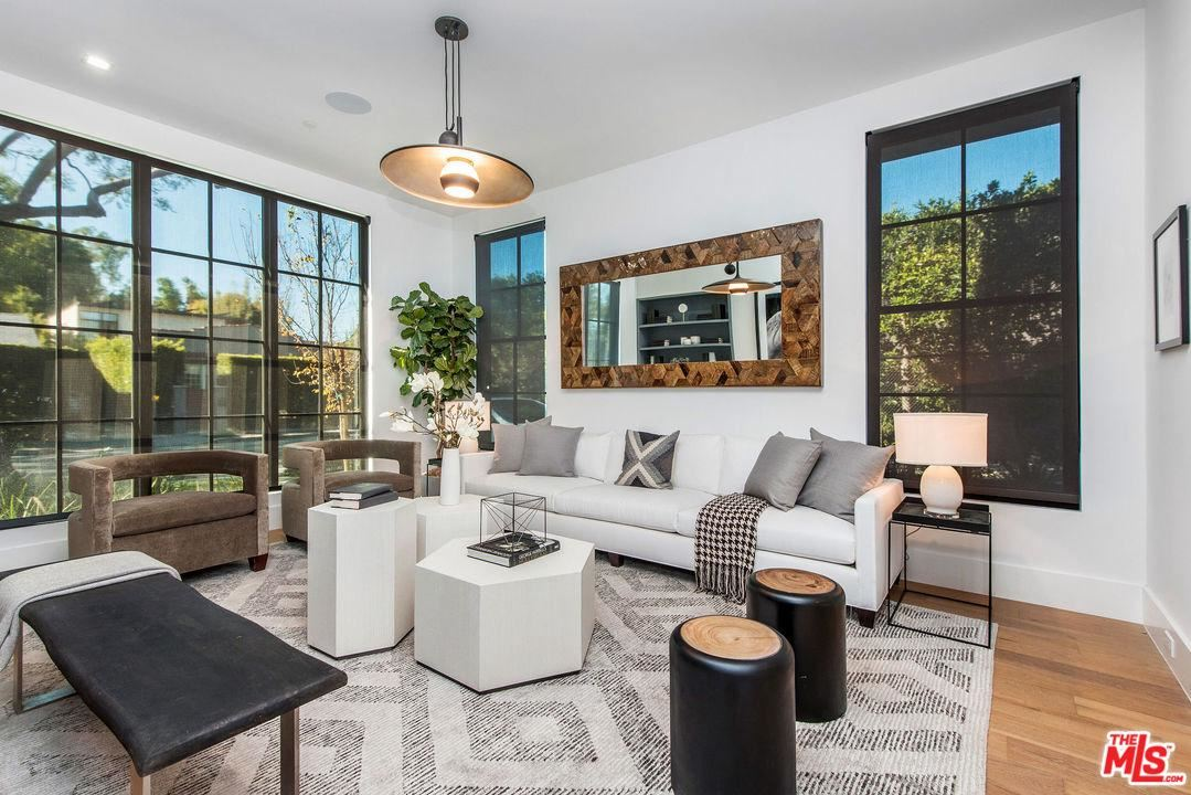 Photo of 528 NORWICH Drive, West Hollywood, CA 90048 (MLS # 20541696)
