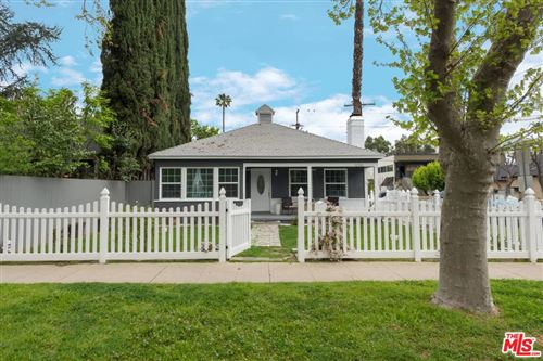 Photo of 12303 CANTURA Street, Studio City, CA 91604 (MLS # 19536700)