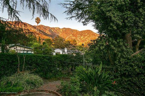 Photo of 988 East MOUNT CURVE Avenue, Altadena, CA 91001 (MLS # 819004700)