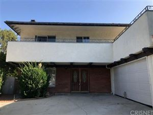 Photo of 22623 CAVALIER Street, Woodland Hills, CA 91364 (MLS # SR19184702)