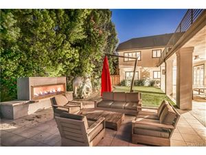 Tiny photo for 4708 WESTCHESTER Drive, Woodland Hills, CA 91364 (MLS # SR18269703)