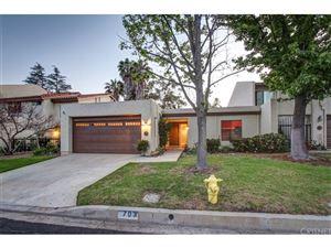 Photo of 703 SHADOW LAKE Drive, Thousand Oaks, CA 91360 (MLS # SR18098704)
