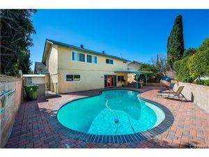 Photo of 18815 LASSEN Street, Northridge, CA 91324 (MLS # SR19037705)