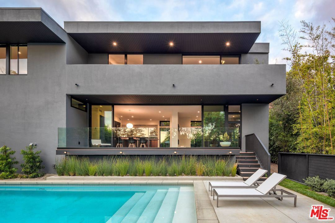 Photo of 7966 WOODROW WILSON Drive, Los Angeles , CA 90046 (MLS # 20555710)