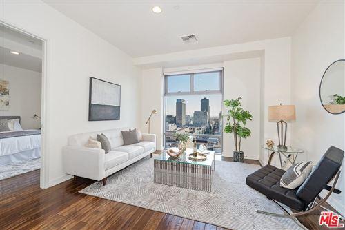 Photo of 801 South GRAND Avenue #1412, Los Angeles , CA 90017 (MLS # 20546712)