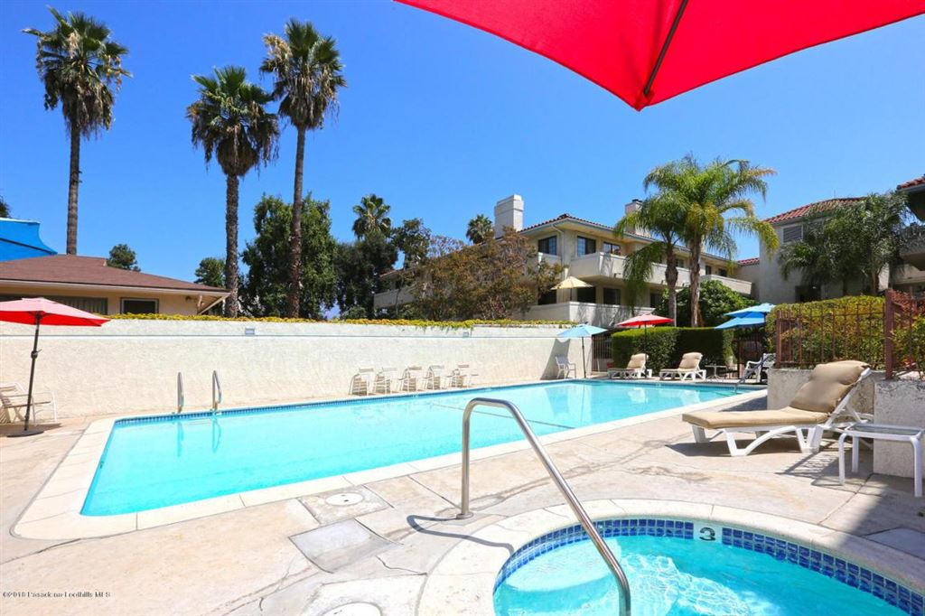 Photo for 235 South HOLLISTON Avenue #112, Pasadena, CA 91106 (MLS # 818001712)