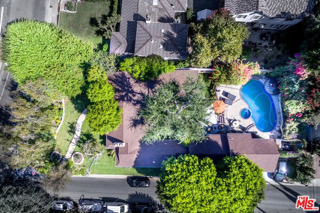 Photo of 14704 VALLEY VISTA, Sherman Oaks, CA 91403 (MLS # 20558716)